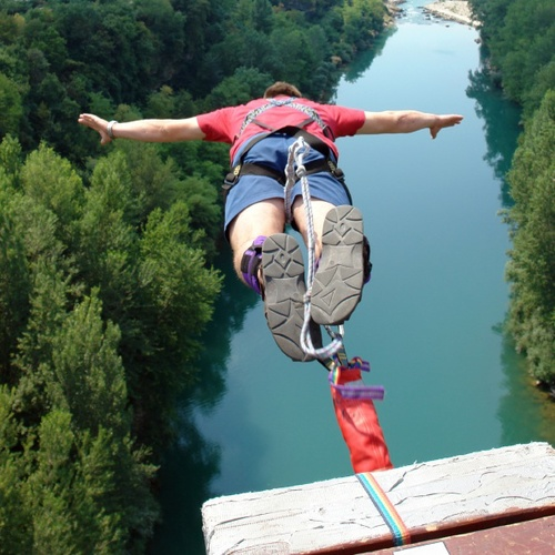 Which is Scarier – a Skydive or Bungee Jump?