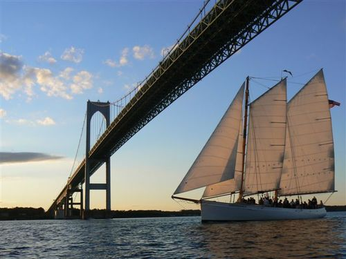 Schooner_Sailing_New_York_City.jpg